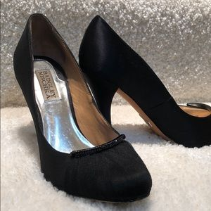 Badgley Mischka size 6.5 black pumps